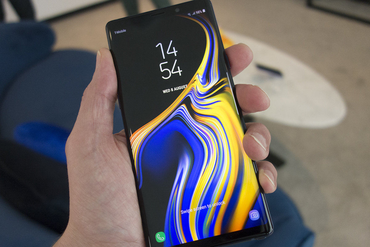 Curved Screen Phone: Pros and Cons